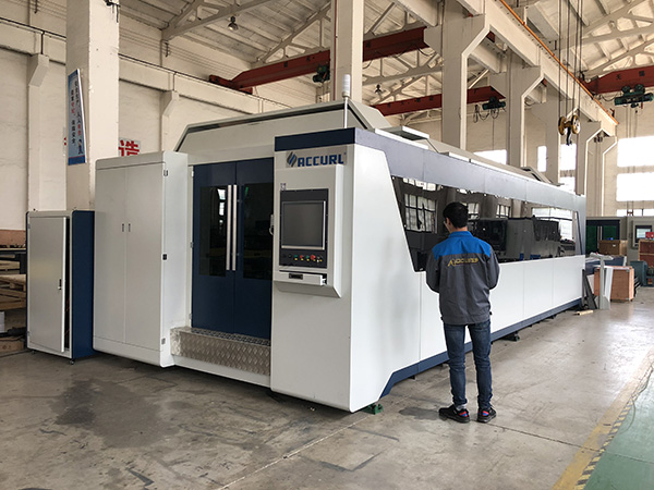 500W 700W 1kw, 2kw, 3kw, μεταλλικό φύλλο CNC Τιμή οπτικής μηχανής κοπής λέιζερ με Trumpf, IPG