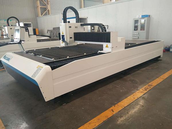 Κίνα μηχανήματα πώλησης ζεστό 400W 600W Φτηνές λαμαρίνα CNC λέιζερ τιμή μηχανής κοπής